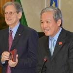 L'ambasciatore Straordinario e Plenipotenziario del Viet Nam, H.E. Mr. Cao Chinh Thien e il presidente del Rotary di Cassino